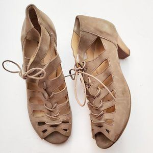PAUL GREEN Taupe Suede Cut Out Lace Up Pumps EUC